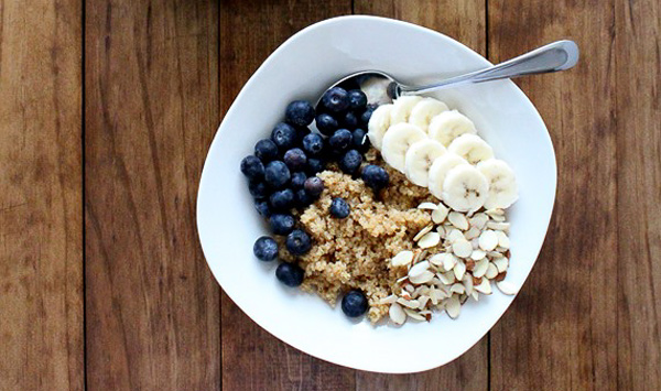 Blueberry Quinoa Breakfast Bowl Idea